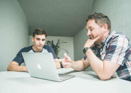 Hvordan skaffe seg en mentor?
